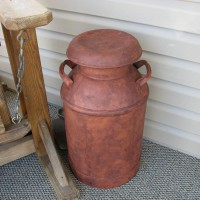Photo Thumbnail #2: The milk can that I rusted.