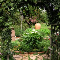 Photo Thumbnail #15: Entry to Flower Garden from Rubble Patio