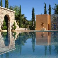 Photo Thumbnail #1: Venetian Pool with vanishing edge spa