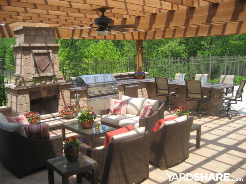 Landscaping ideas outdoor kitchen pergola paver patio for Outdoor kitchen pergola ideas