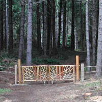 Photo Thumbnail #7: 2011 May.  The creative gate Von built during...