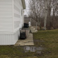 Photo Thumbnail #6: Side Yard Right