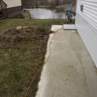Photo Thumbnail #4: Side Yard Left