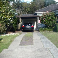 Photo Thumbnail #3: driveway front view