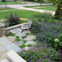 Photo Thumbnail #5: Irregular bluestone sitting area