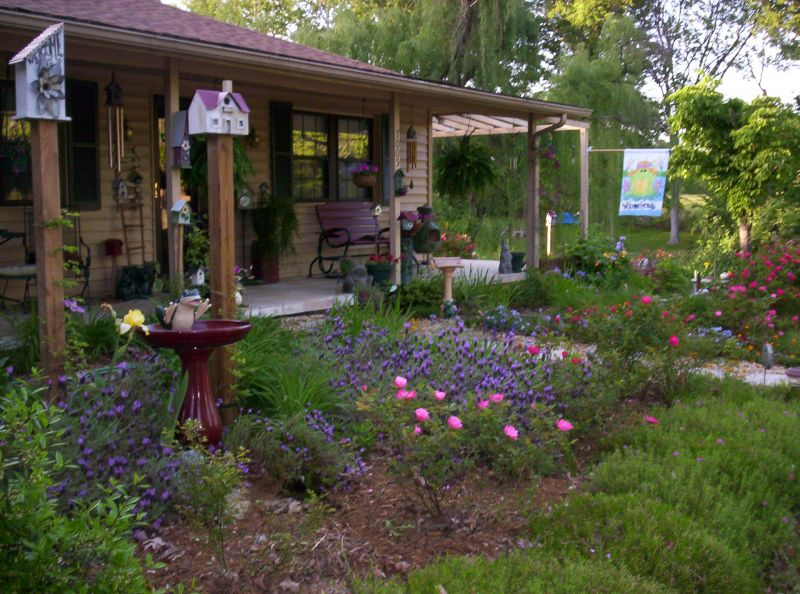 Be a cottage garden renegade yard ideas blog for Backyard cottage designs