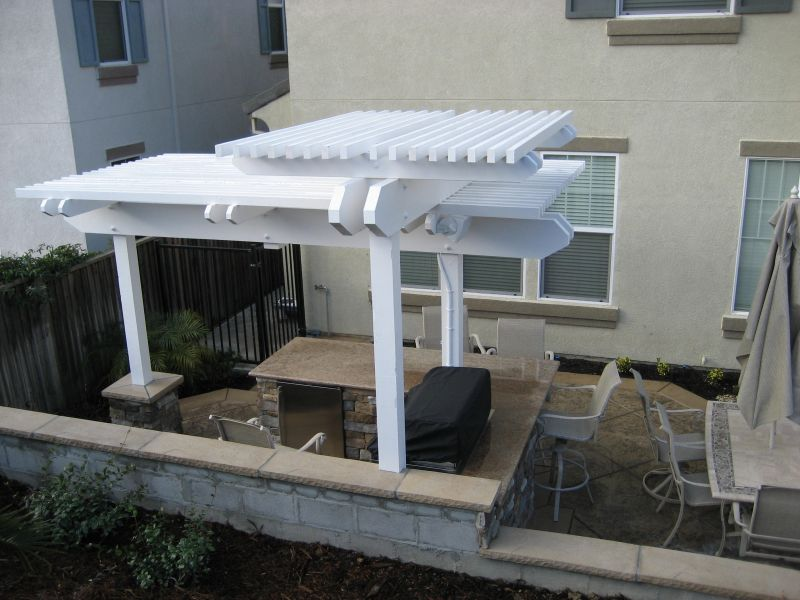 Purlins on arbors help create shade
