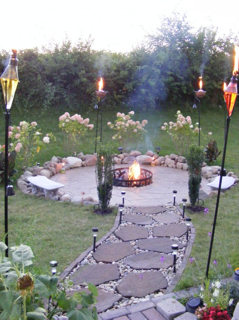 Inexpensive Backyard Fire Pits : Create Your Own Backyard Firepit  Yard Ideas Blog  YardSharecom