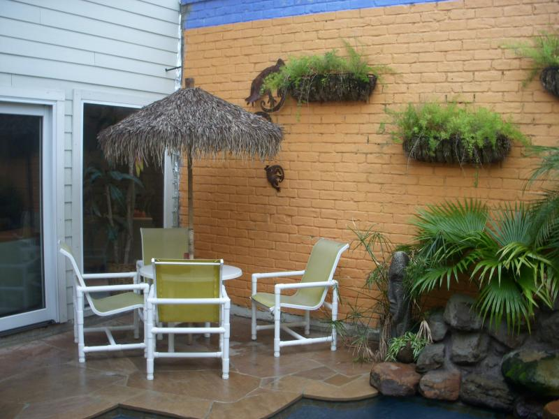 Small Patio Area for Small Pool Yard