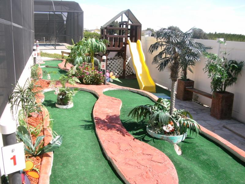 Miniature golf in your yard