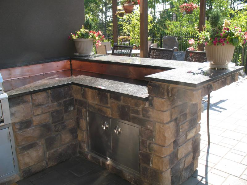 Outdoor Kitchens: Square and Rectangle Stones