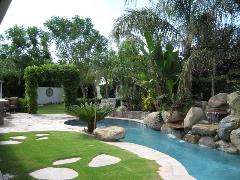 Yard Landscaping Pictures & Ideas: Small Tropical Getaway