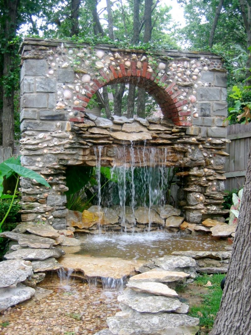 Garden waterfalls ideas native home garden design for Pictures of backyard waterfalls