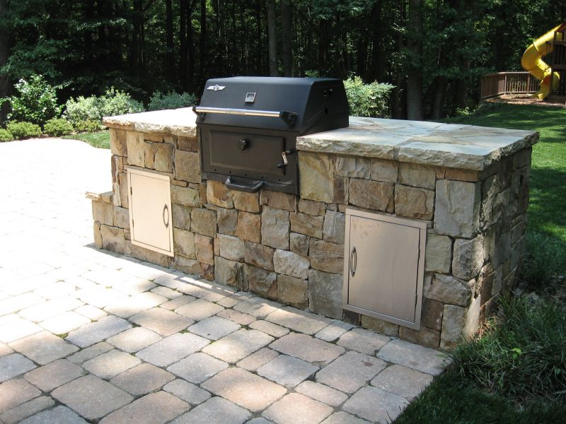 Outdoor Kitchens: Dry Stacked Stone
