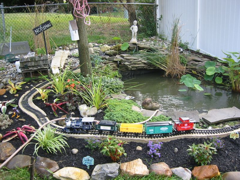 Create your own small pond this weekend yard ideas blog Garden pond ideas