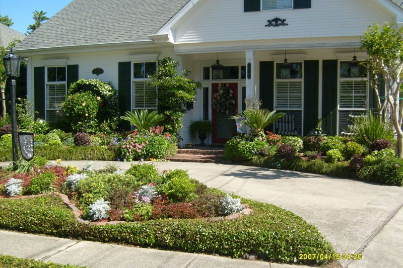 Year round landscaping colors